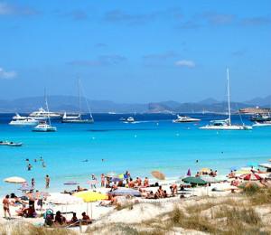 hoteles platja talamanca ibiza en playa talamanca