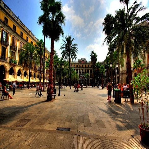 Tours gay en barcelona ruta centro barcelona costa de for Hoteles en bcn centro
