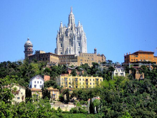 Tours privados barcelona ruta laberinto tibidabo for Ruta del mueble sarria